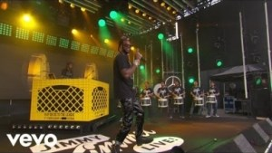 "2 Chainz Performs ""rule The World"" & ""ncaa"" On Jimmy Kimmel Live!"
